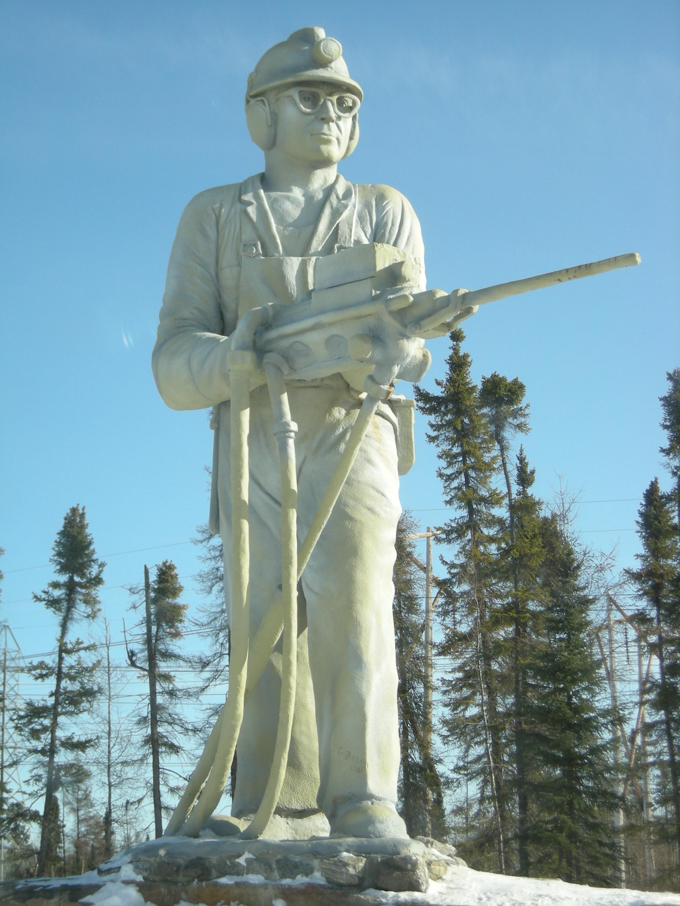 Thompson (MB) Canada  city photos : Miner Statue Thompson Manitoba Wikimedia Commons