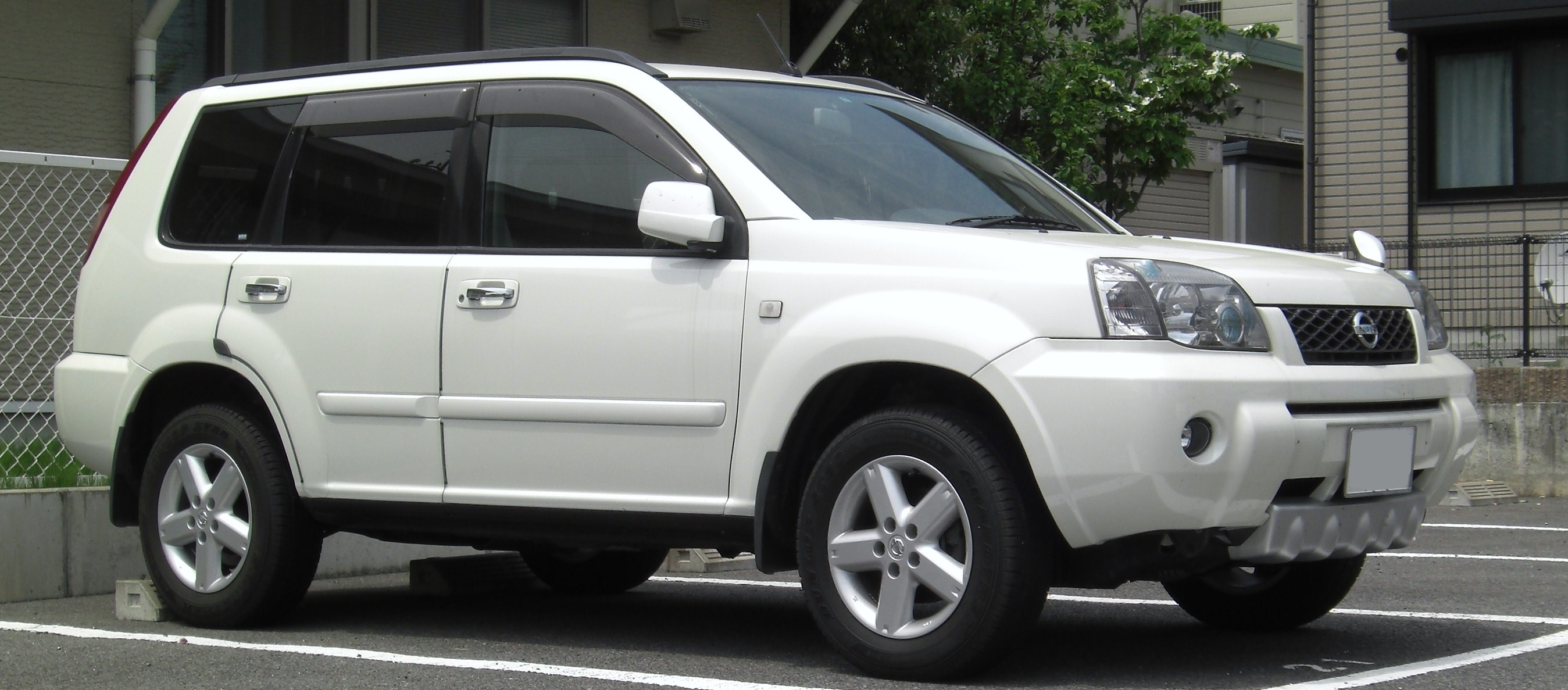 file nissan x trail t30 jpg wikimedia commons