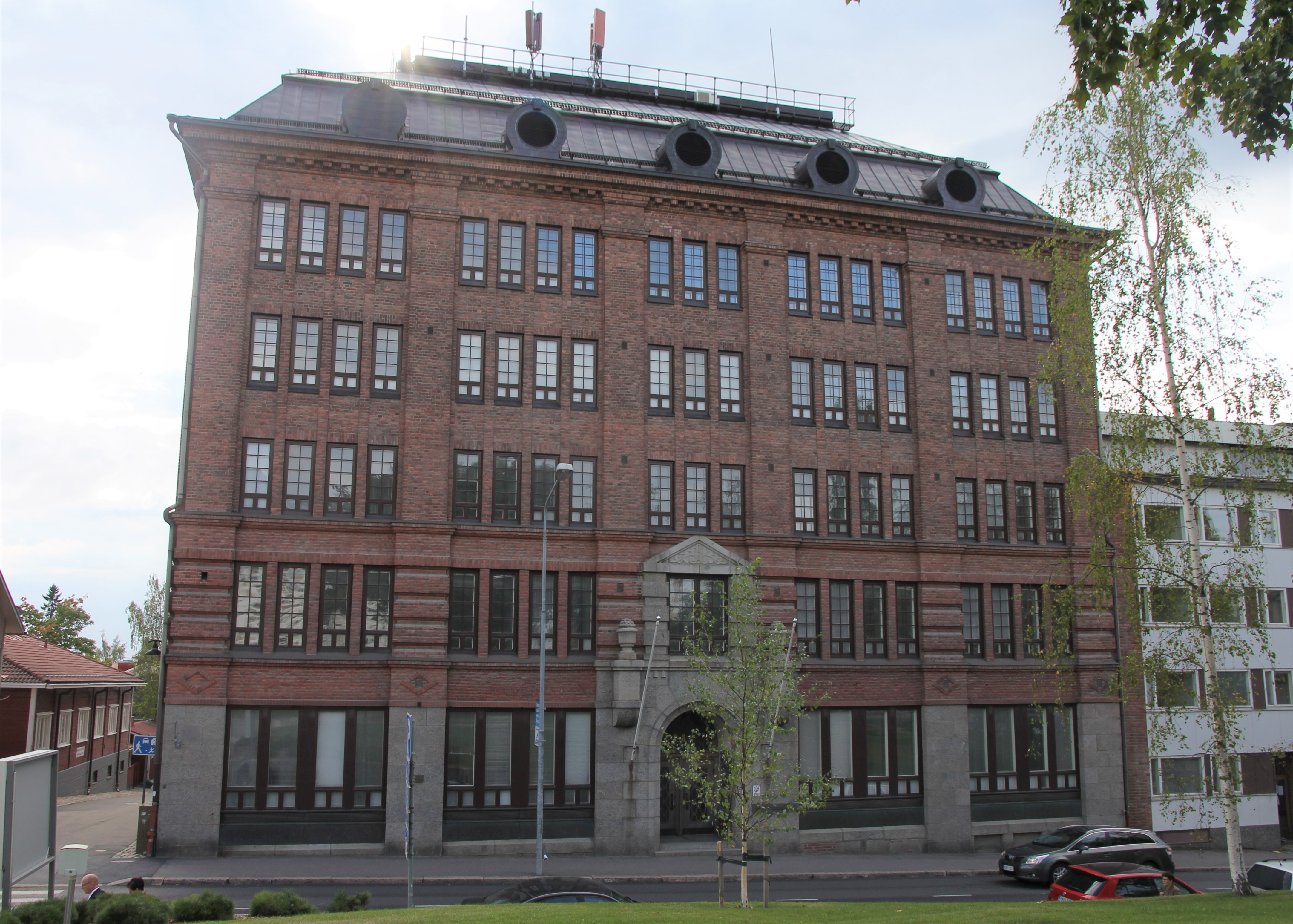 Oiva Kallio - 1920 - Kuopion sosiaalikeskus (entinen Konttisen liiketalo) - Minna Canthin katu 28 - Kuopio.jpg
