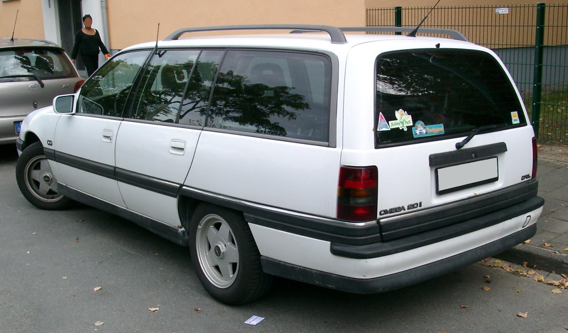 Opel-Omega-A-Caravan.