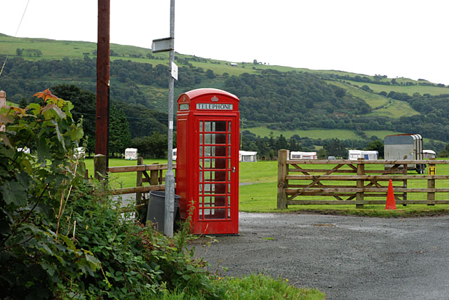 Phone box near Brynmelyn - geograph.org.uk - 918245
