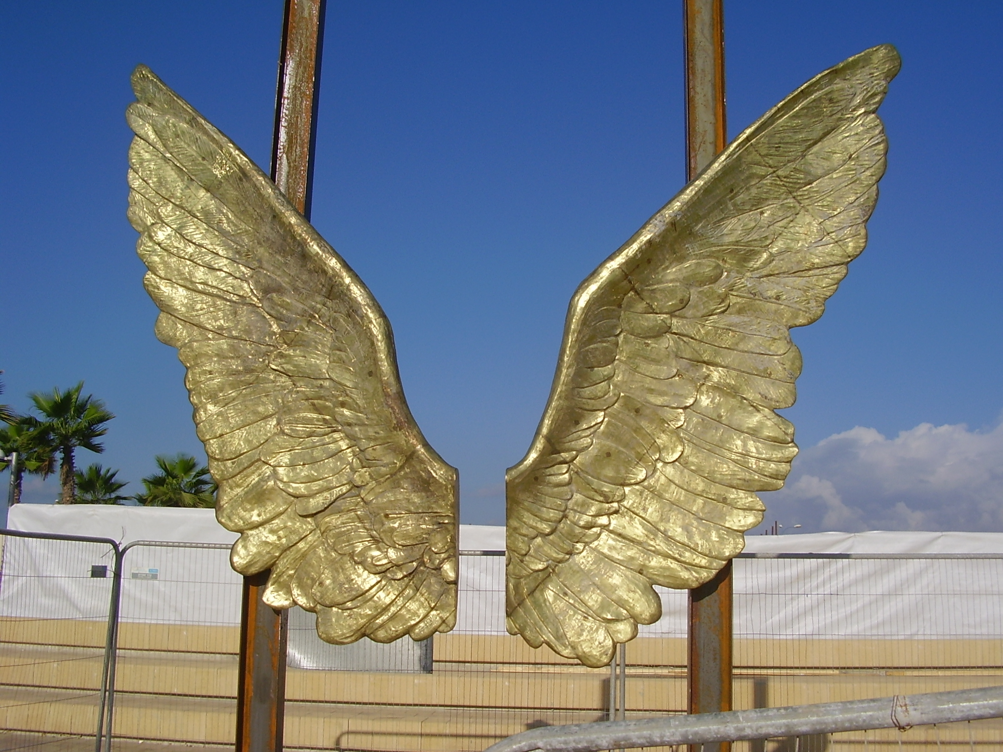 File:PikiWiki Israel 26527 Wings of the city sculpture in ...