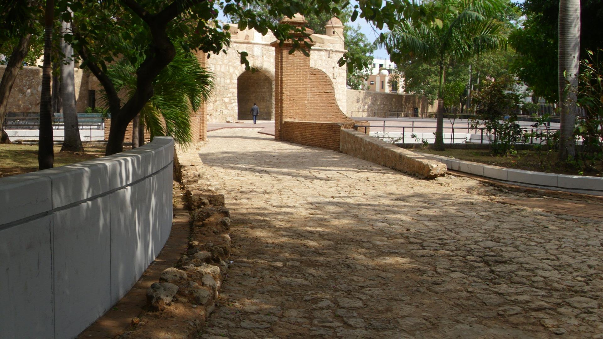 Archivo puerta del conde oude weg 1 jpg wikipedia la for Puerta 4 del jockey