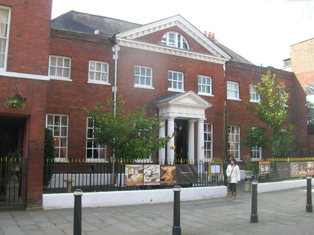 File:Sir Christopher Wren's House, Thames Street, Windsor - geograph.org.uk - 1220367.jpg