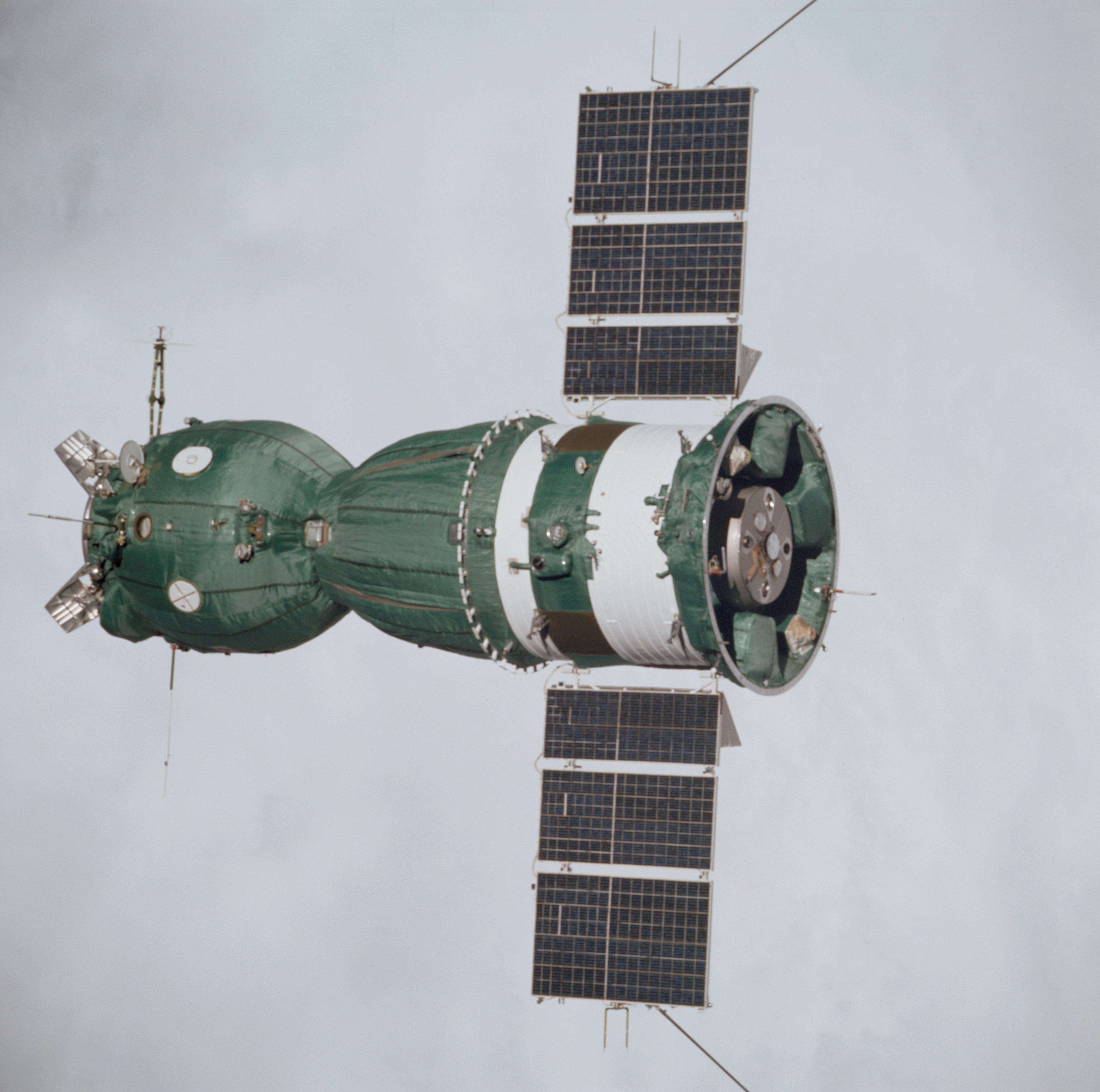 apollo spacecraft plugs out test - photo #32