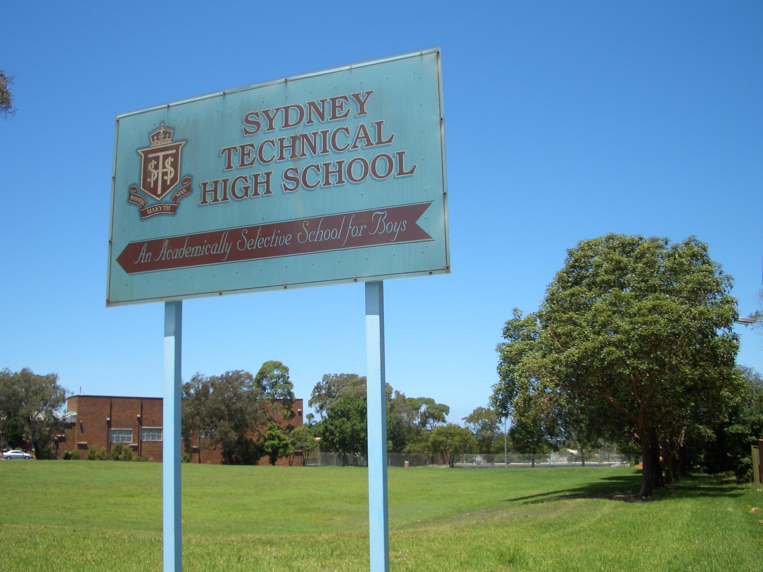Dating in high school in Sydney
