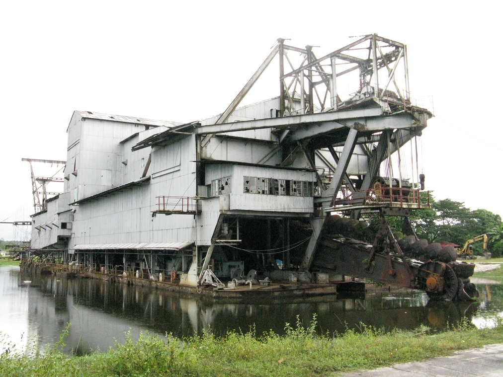 Tanjung Tualang Tin Dredge No  5 - Wikipedia