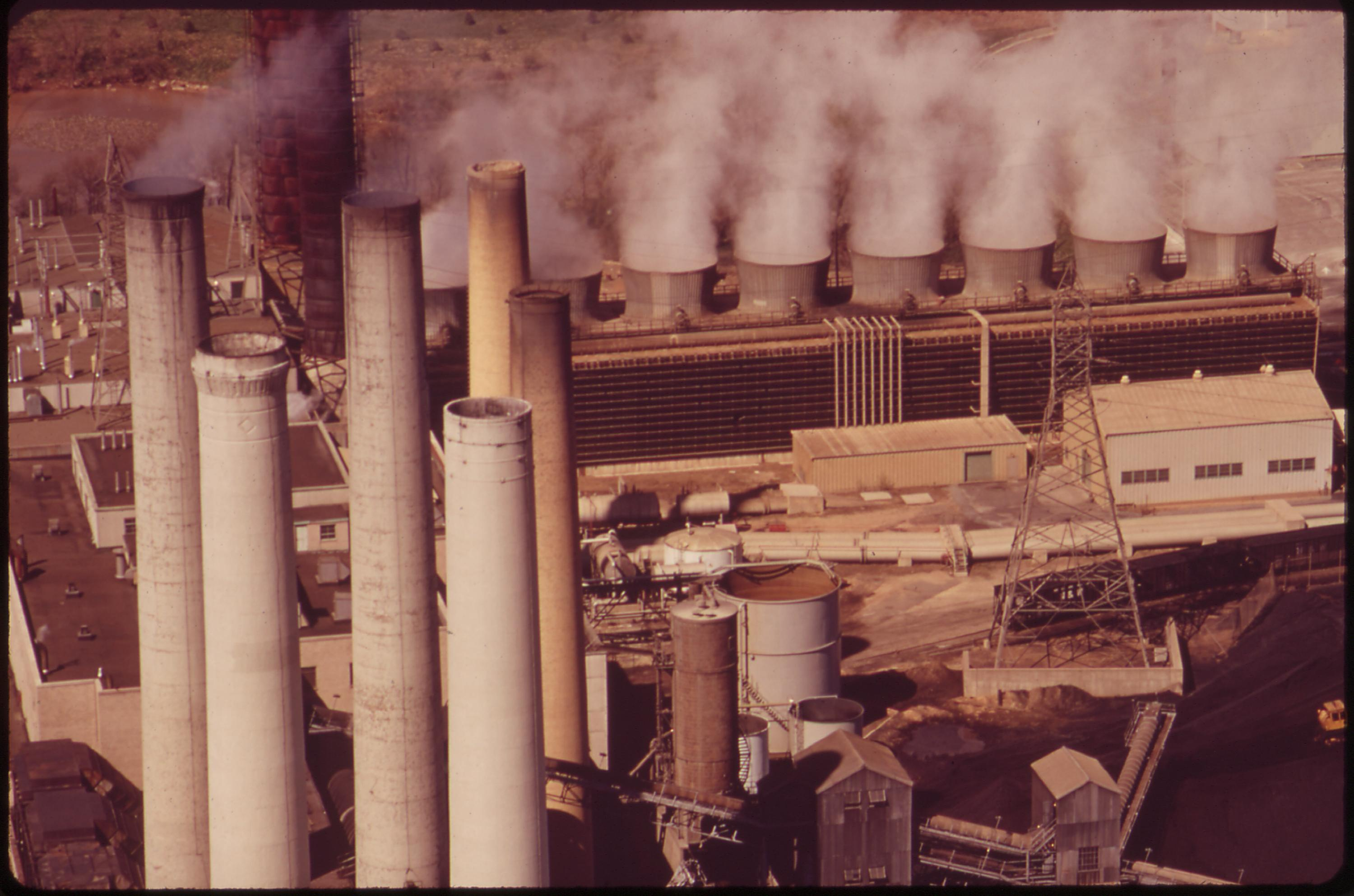 File The pepco potomac electric power pany power plant at the