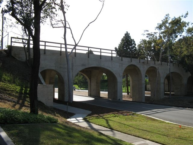 File:Torrance Bridge b.jpg