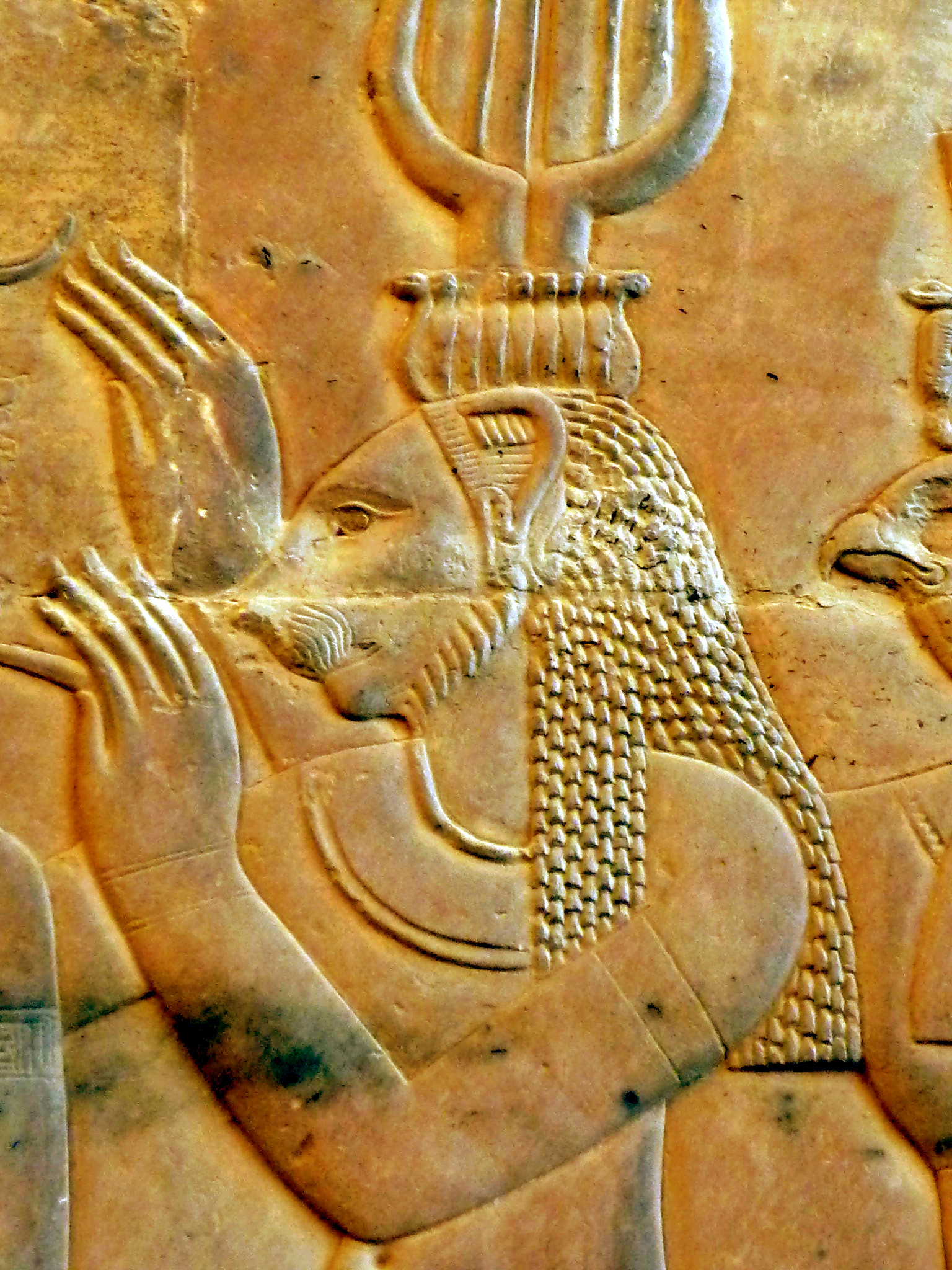 File:Wall relief Kom Ombo16.JPG - Wikimedia Commons