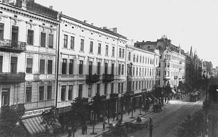 http://upload.wikimedia.org/wikipedia/commons/4/40/Warszawa_Marsza%C5%82kowska_1914.jpg