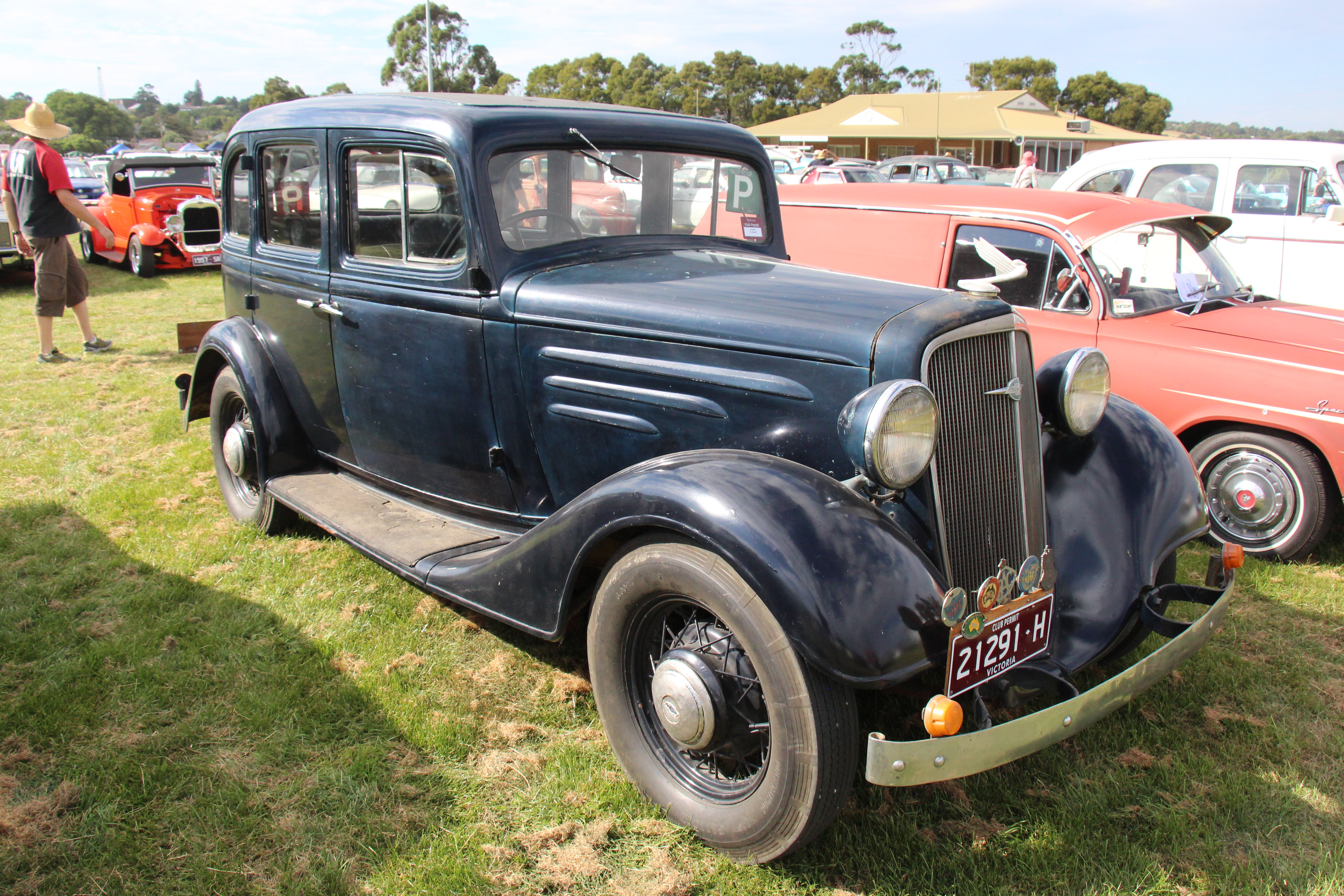 File:1934 Chevrolet DC Standard Sedan (32153185756).jpg - Wikimedia Commons