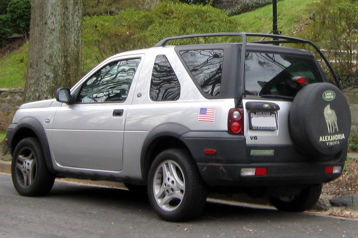 https://upload.wikimedia.org/wikipedia/commons/4/41/2002-2003_Land_Rover_Freelander_two-door_--_01-01-2012_rear.jpg
