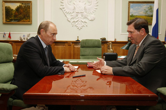 2008-06-19 Владимир Путин, Александр Михайлов (3)