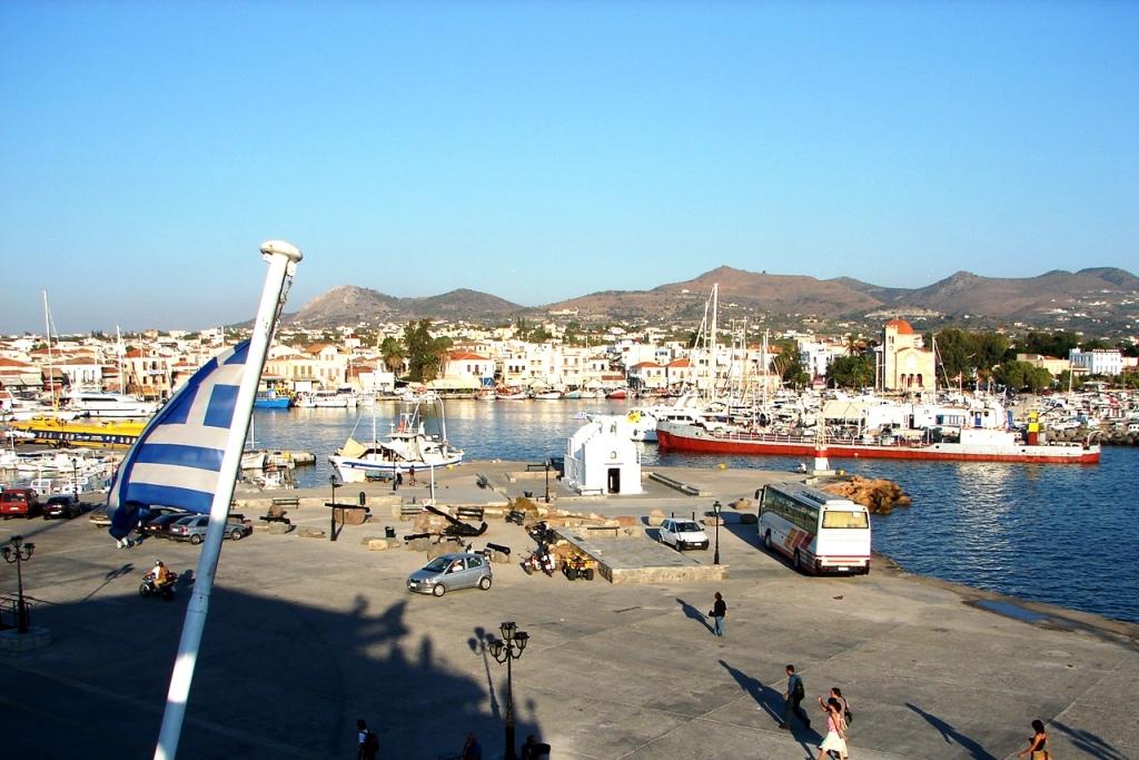 A@a aegina port greece - panoramio.jpg