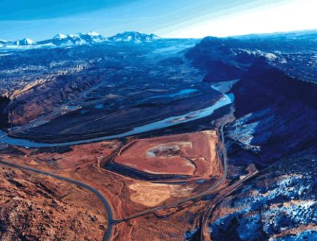 Aerial view, Atlas Site, Moab, Utah, prior to the relocation of the tailings pile