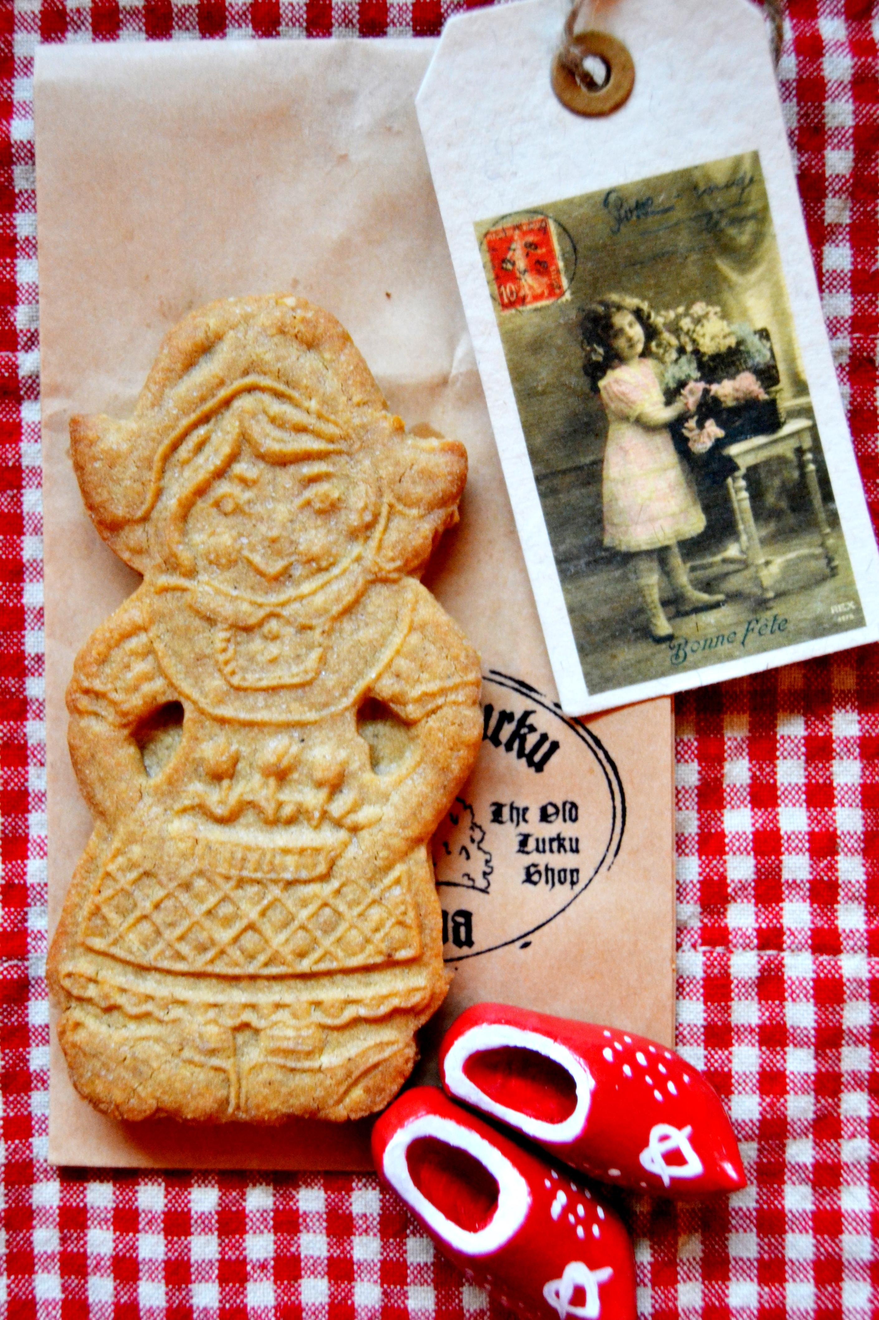 File Almond Spekulatius Cookie 6112849718 Jpg Wikimedia Commons