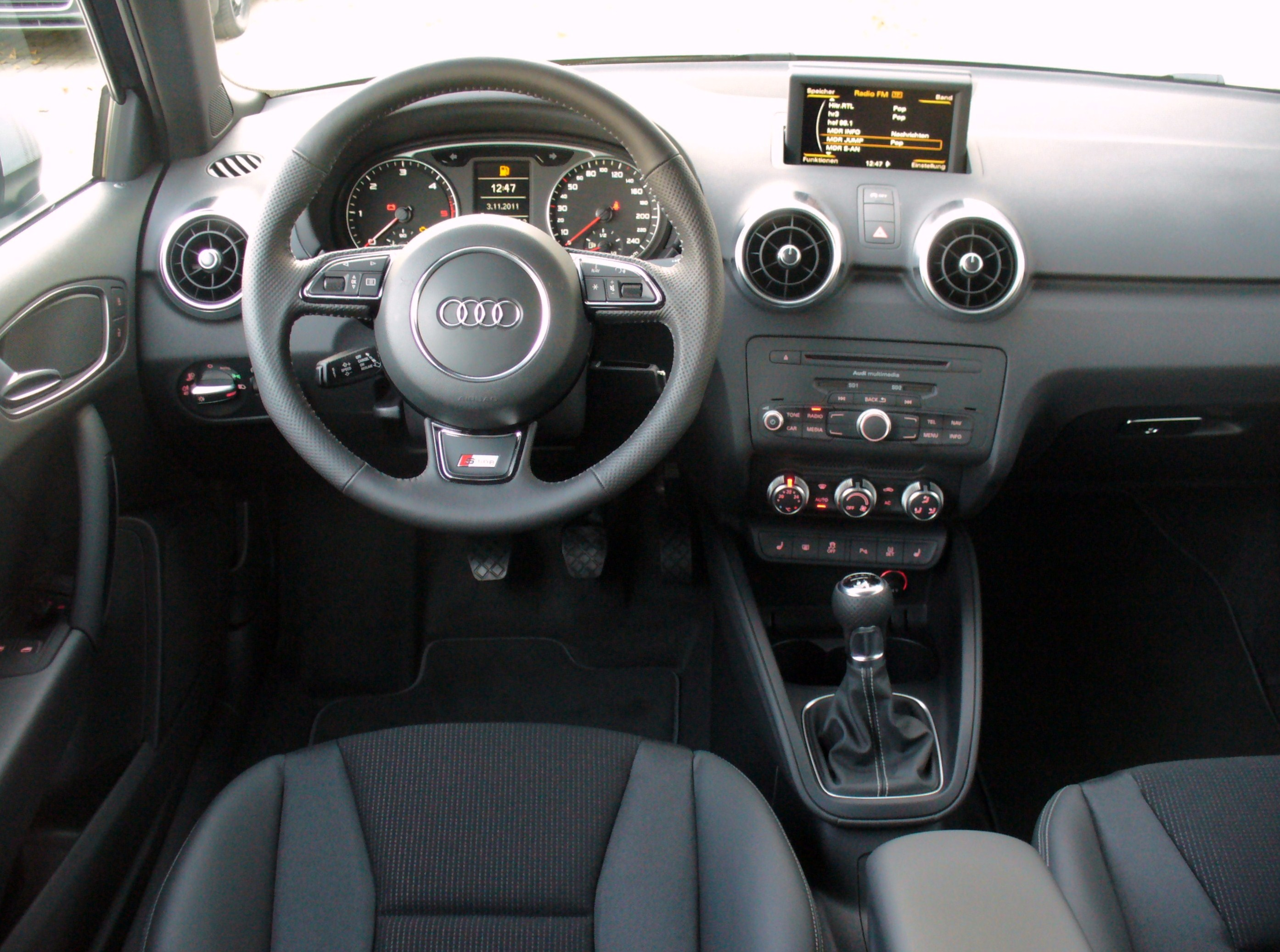 file audi a1 s line lifestyle kit union square 1 6 tdi daytonagrau interieur jpg wikimedia commons