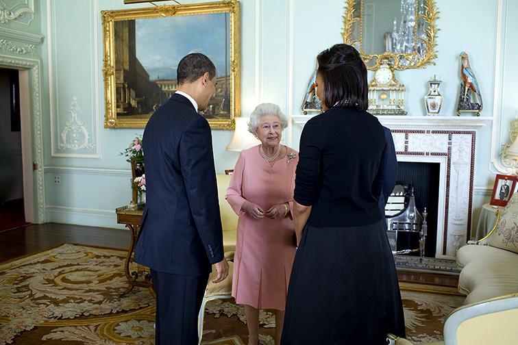File:Barack & Michelle Obama meet Queen Elizabeth II at Buckingham Palace 4-1-09 2.JPG