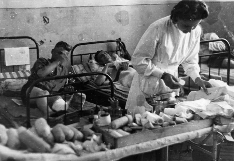 Bundesarchiv Bild 101I-006-2237-07, Russland, Lazarett