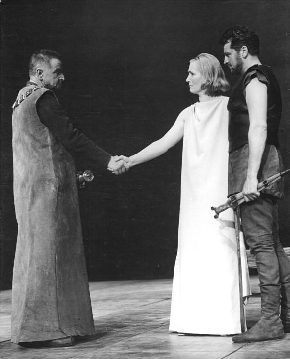 Representación de Ifigenia en Táuride: Wolfgang Langhoff, Inge Keller y Horst Drinda, Berlín (1963).