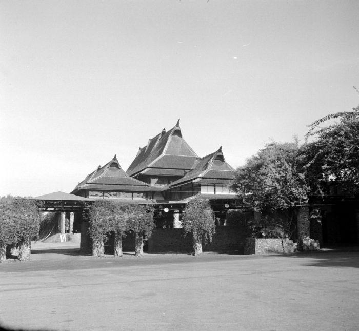 Image Result For Bandung Lautan Api Wikipedia Bahasa Indonesia