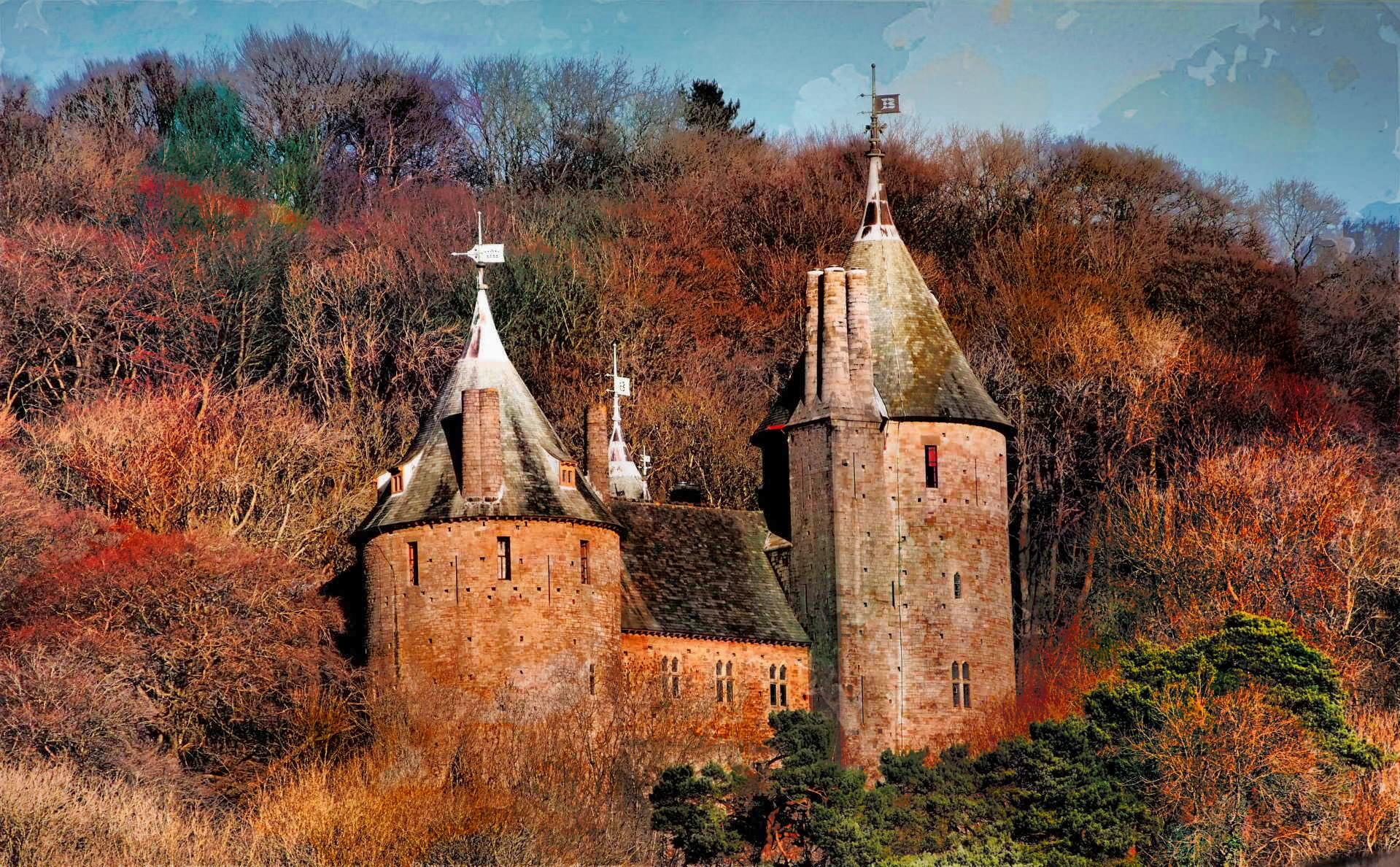 https://upload.wikimedia.org/wikipedia/commons/4/41/Castle_Coch_from_A470.jpg