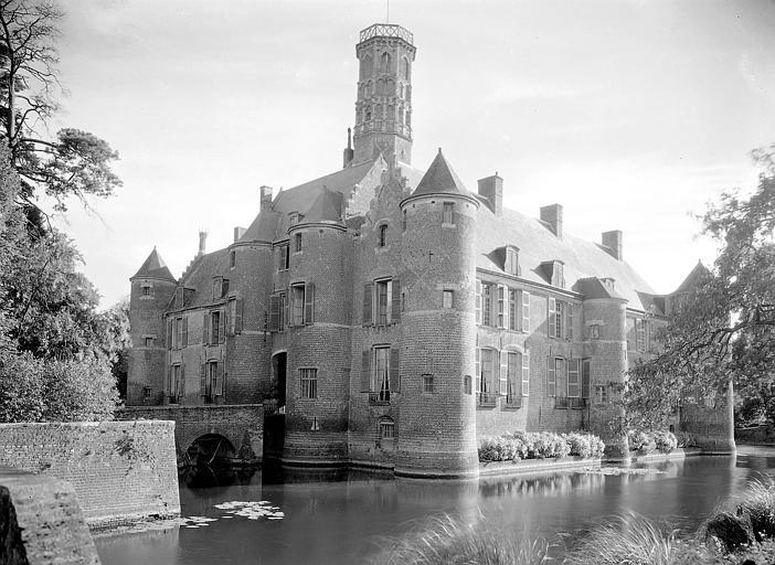 File:Château d'Esquelbecq par Arlaud, Georges-Louis.jpg - Wikimedia Commons