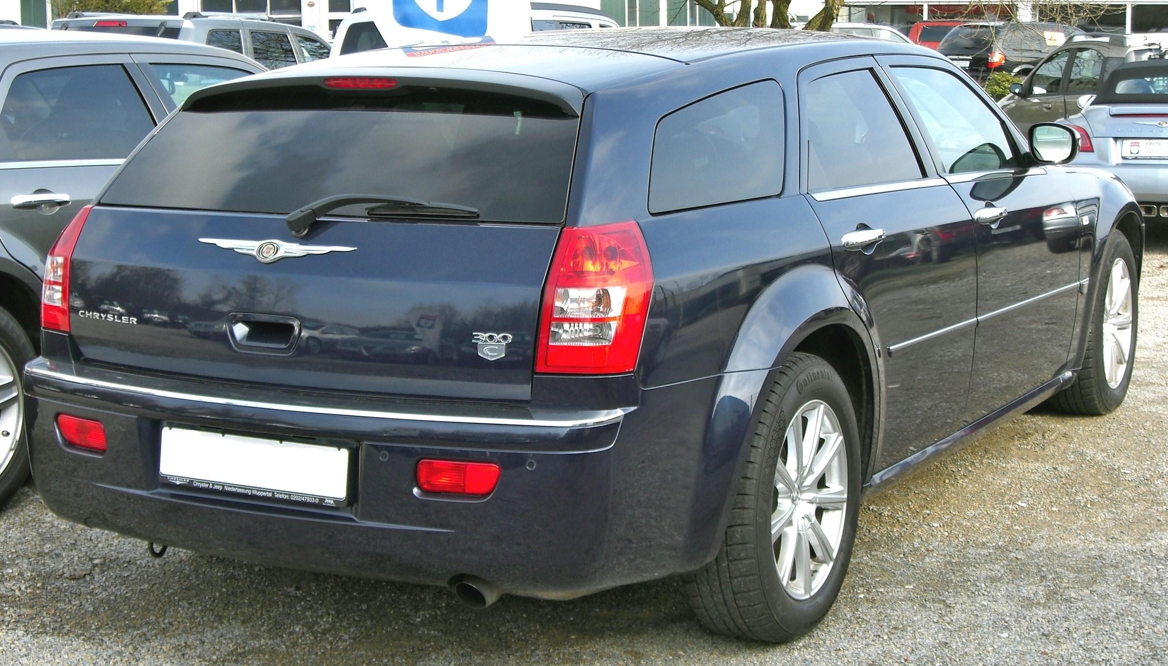 File:Chrysler 300C Touring 20090301 rear.jpg - Wikimedia Commons