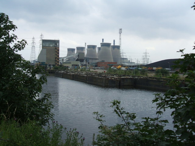 File:Coal Barges moored at Ferrybridge Power Station - geograph.org.uk - 895409.jpg