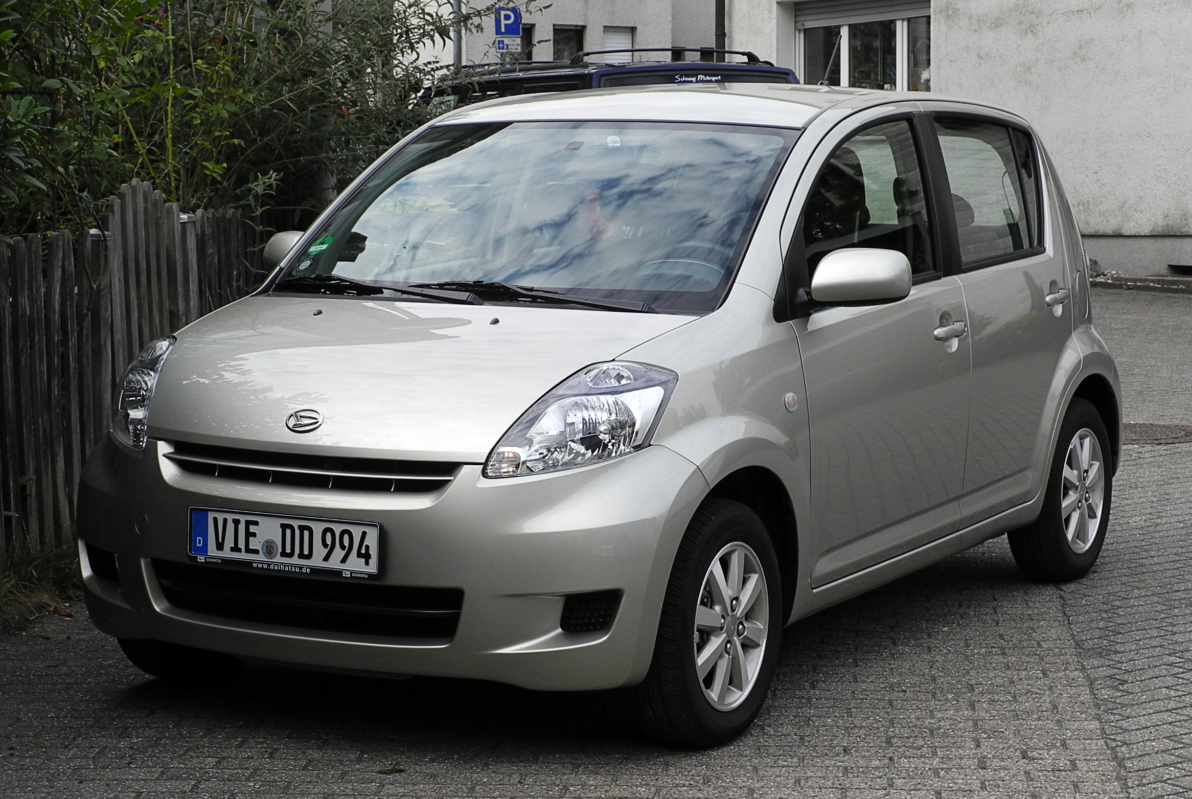 Datei:Daihatsu Sirion 1.3 ECO 4WD (II, Facelift