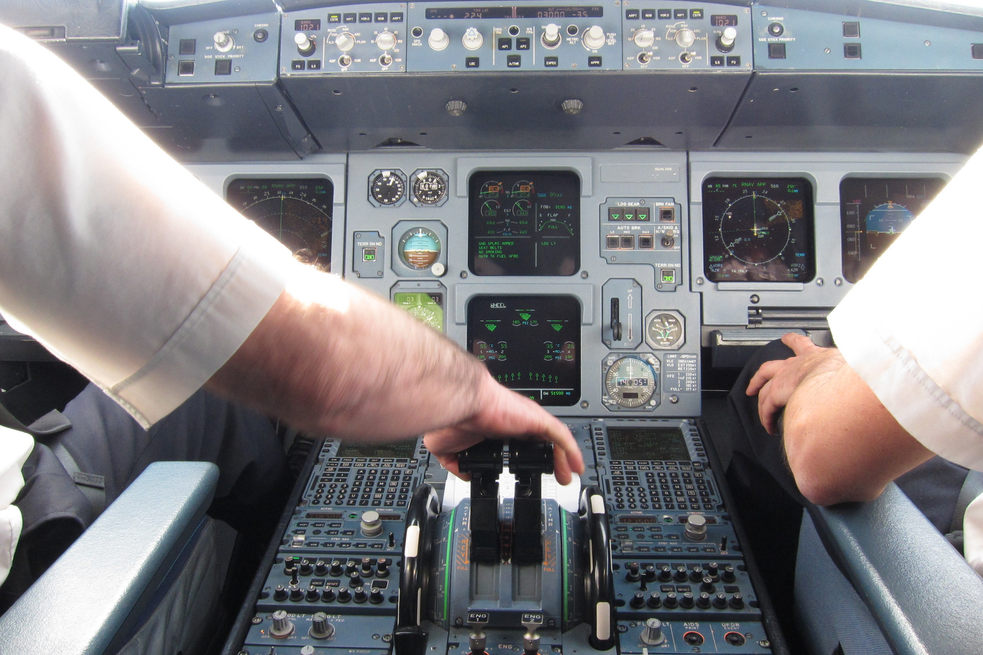 Description Deploying reversers after touchdown in A320 cockpit.jpg