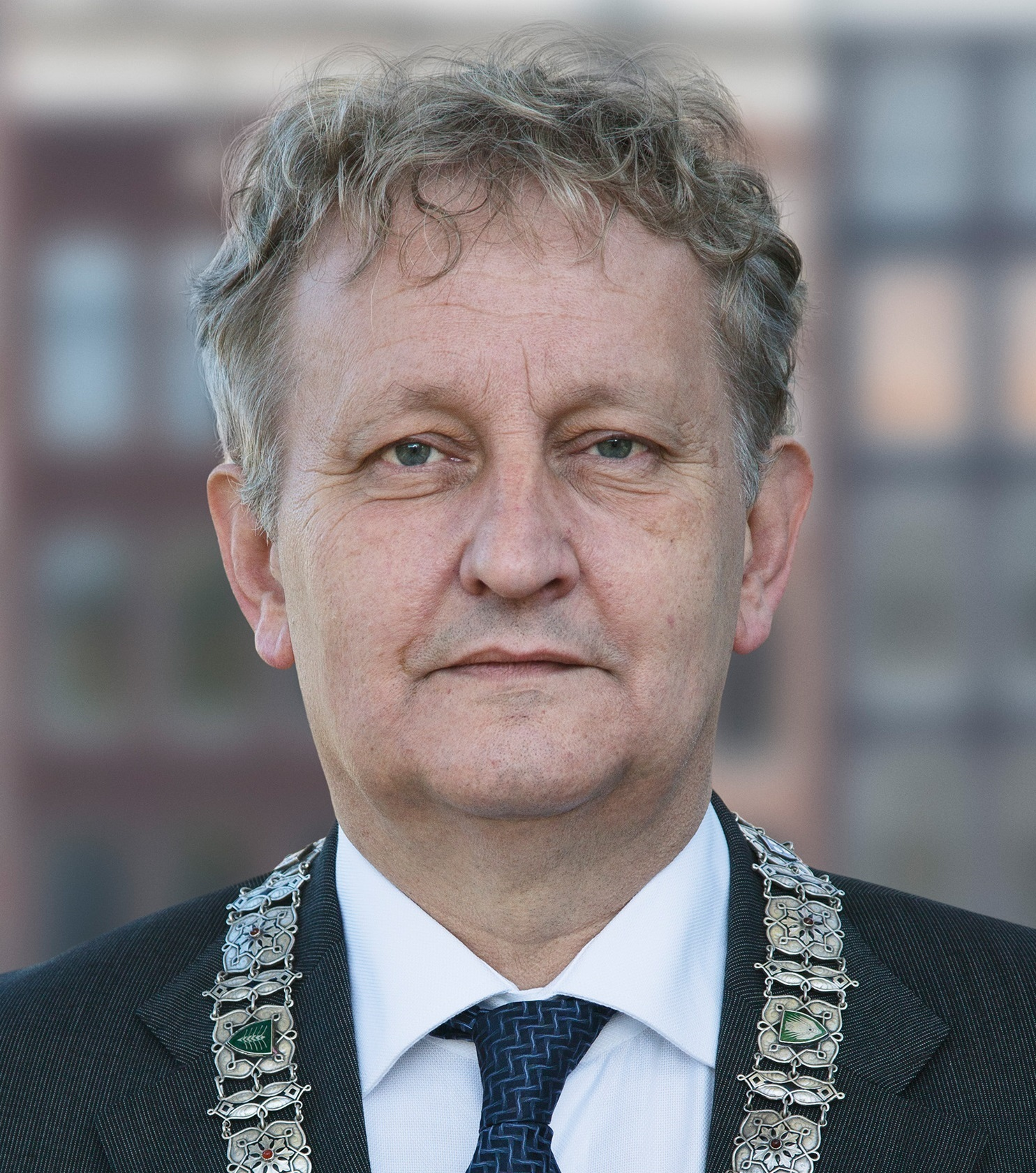 The 65-year old son of father (?) and mother(?) Eberhard van der Laan in 2020 photo. Eberhard van der Laan earned a million dollar salary - leaving the net worth at 0.9 million in 2020
