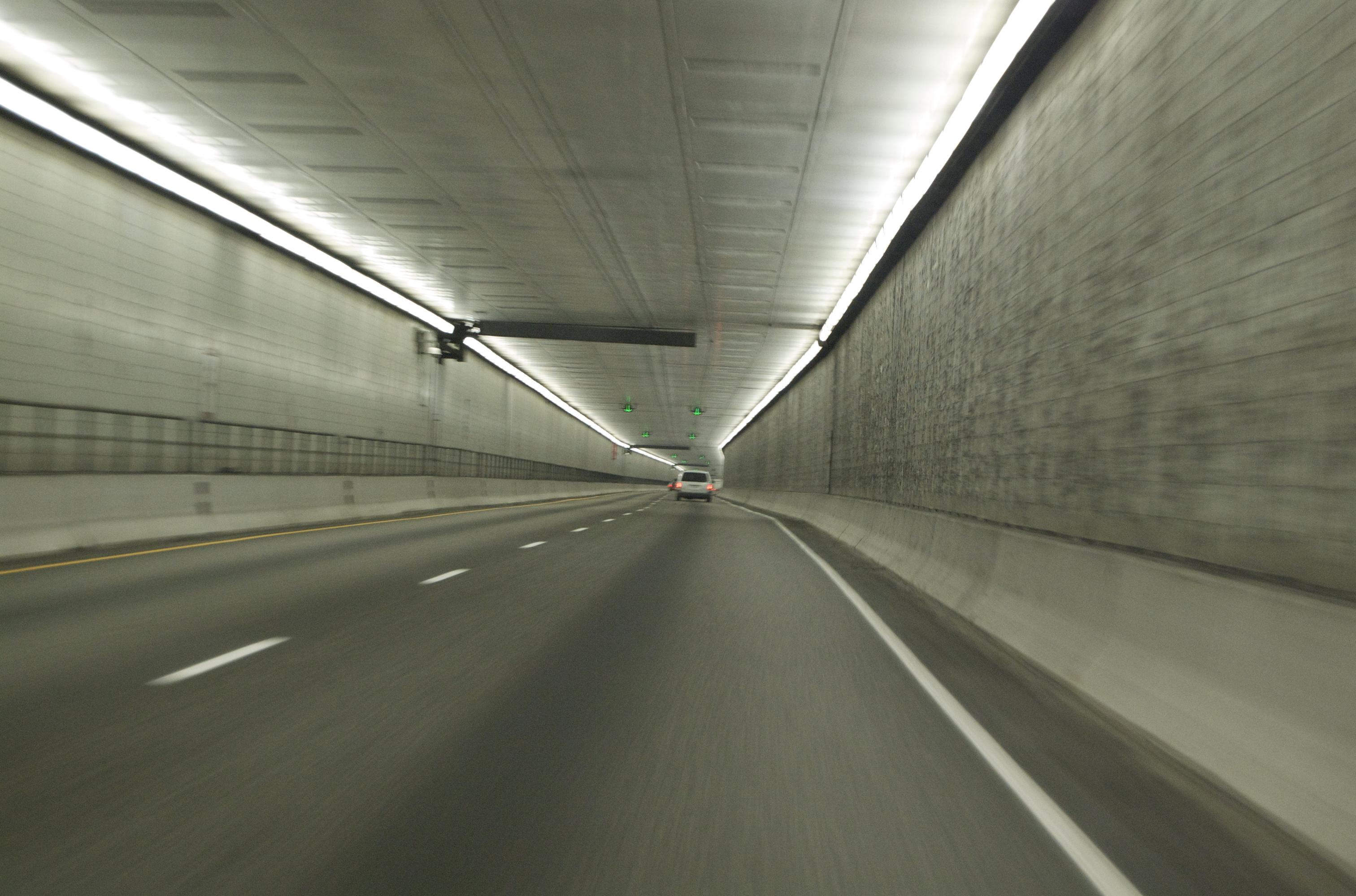 eisenhower tunnel height