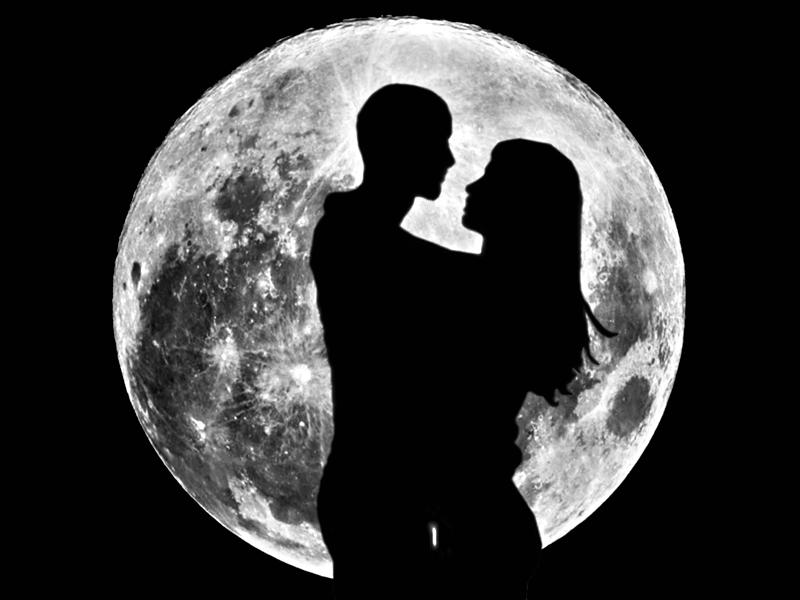 любовь поцелуй полная луна