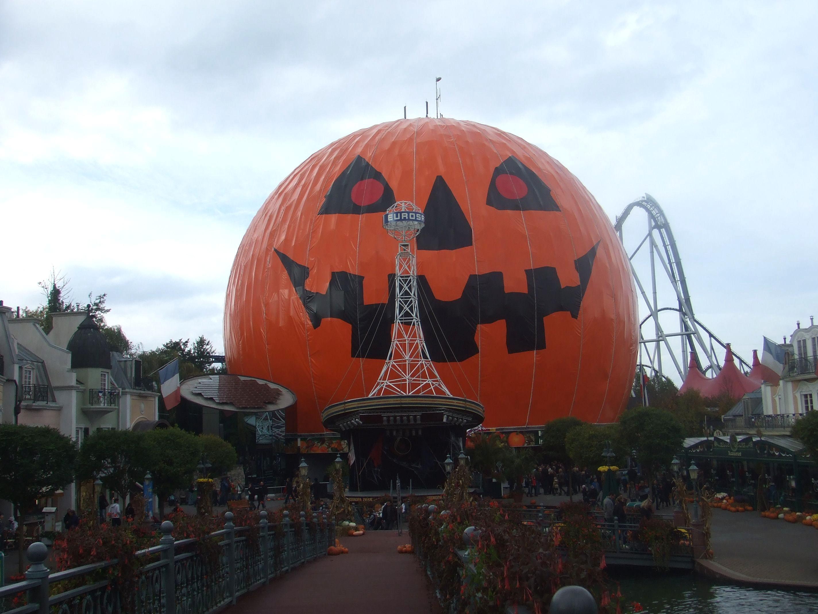 Les plagiats des attractions Disney. 4. Space Mountain Eurosat