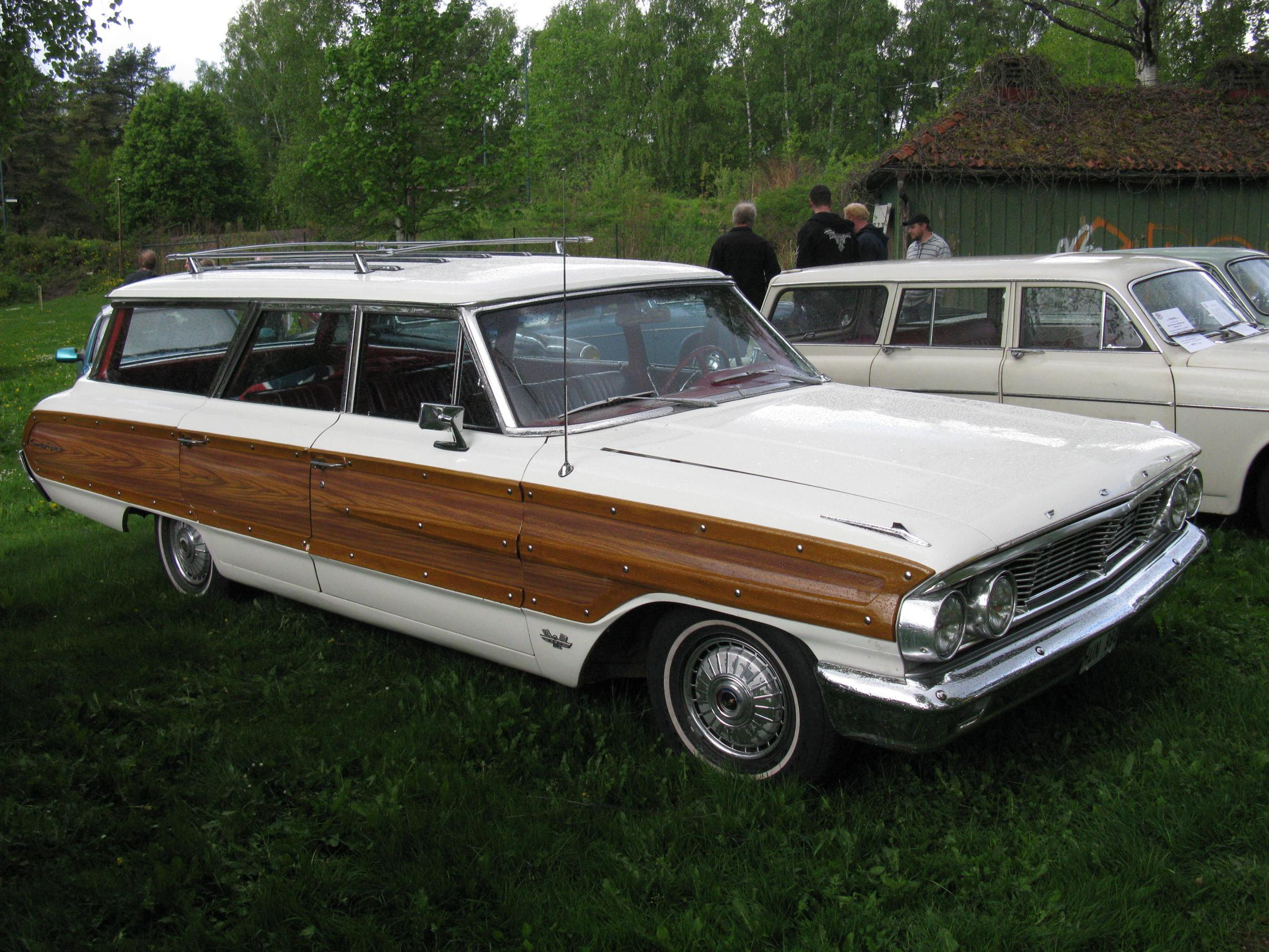 Ford_Galaxie_Country_Squire_1964_(574088