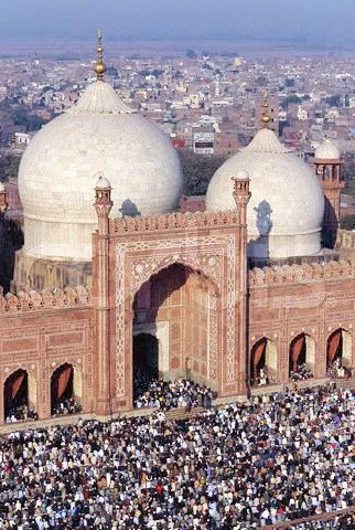 The Friday Prayers at the Badshahi Mosque in Lahore Friday prayes at b.jpg