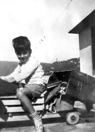Yin Yin (1925-1943), sobrino de Gabriela Mistral y a quien crio como un hijo.