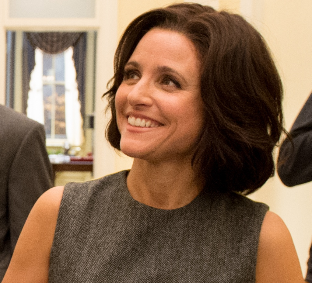 The 57-year old daughter of father (?) and mother(?) Julia Louis-Dreyfus in 2018 photo. Julia Louis-Dreyfus earned a 0.15 million dollar salary - leaving the net worth at 200 million in 2018