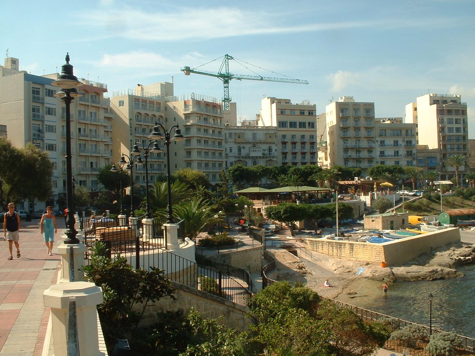 Sliema Malta  City new picture : Häuserfront in Sliema, Malta Wikimedia Commons