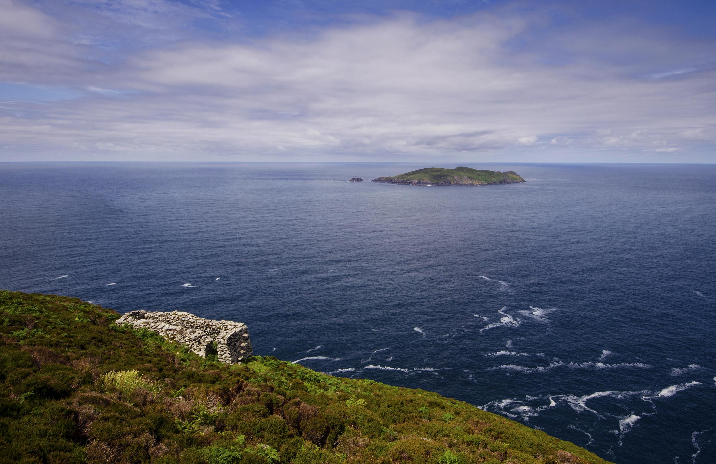 File:Inishtooskert, Blasket Islands.jpg - Wikimedia Commons