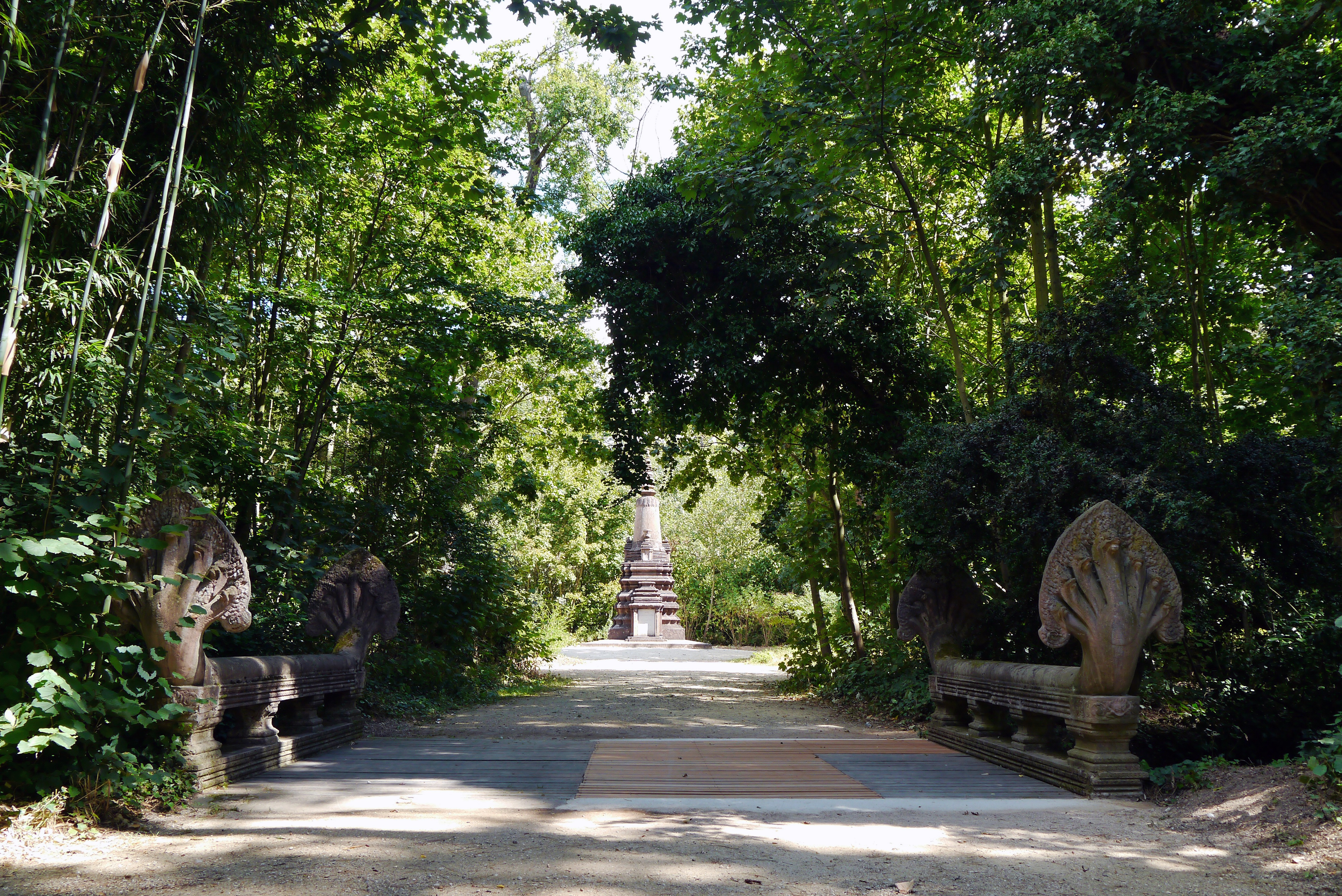 File jardin tropical paris pont wikimedia for Jardin tropical