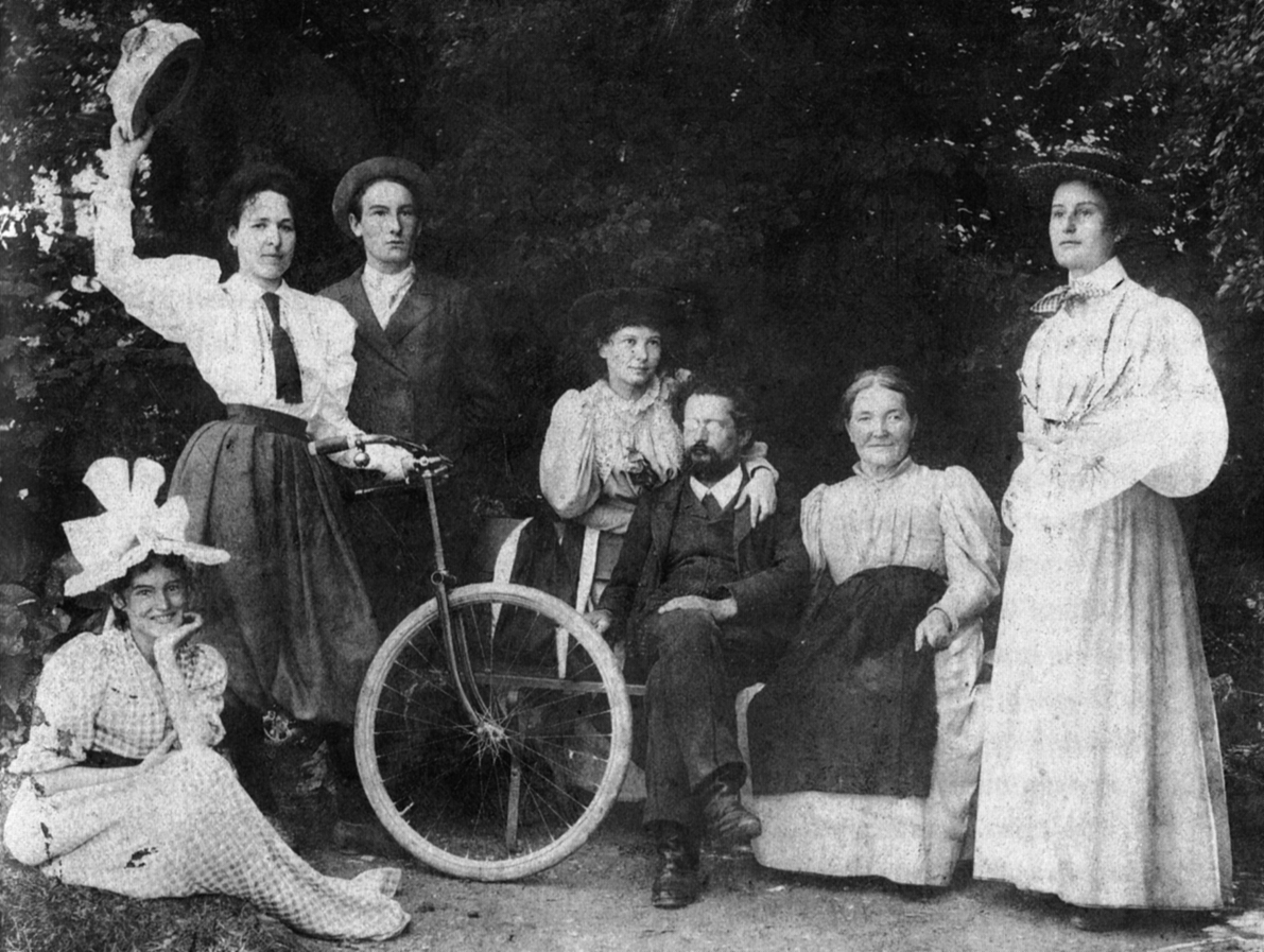 File Jost Winteler Mit Familie Und Maja Einstein Um 1900 Jpg