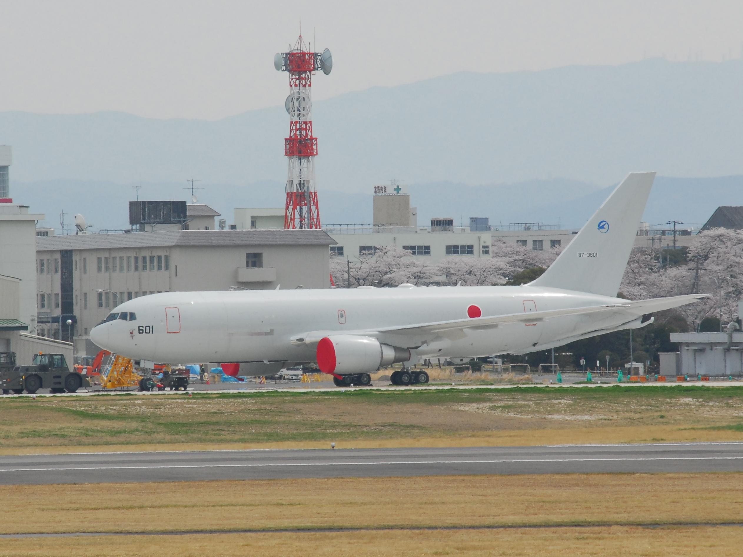 KC-767J.JPG