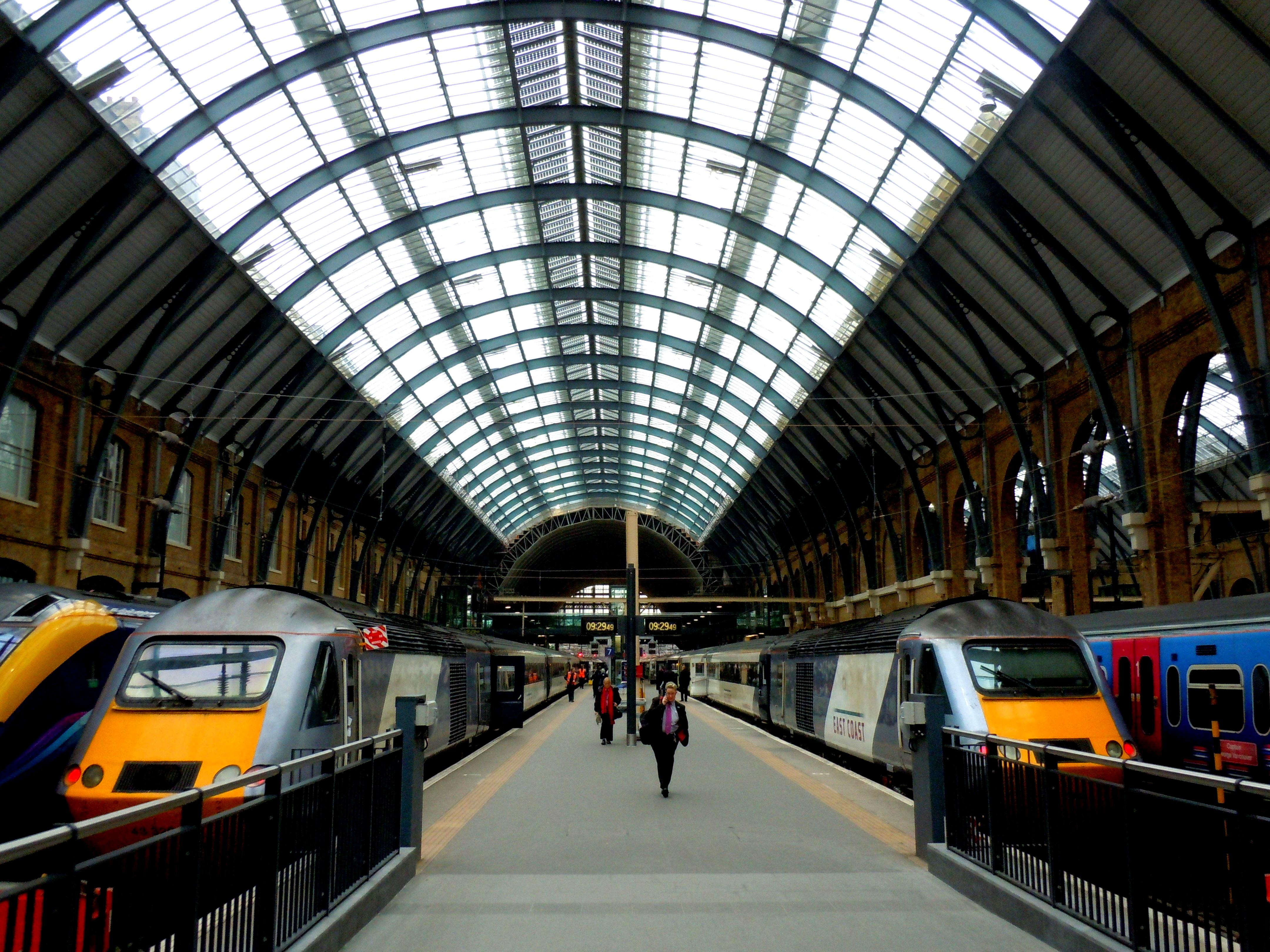 England Railway Station Station London England.jpg