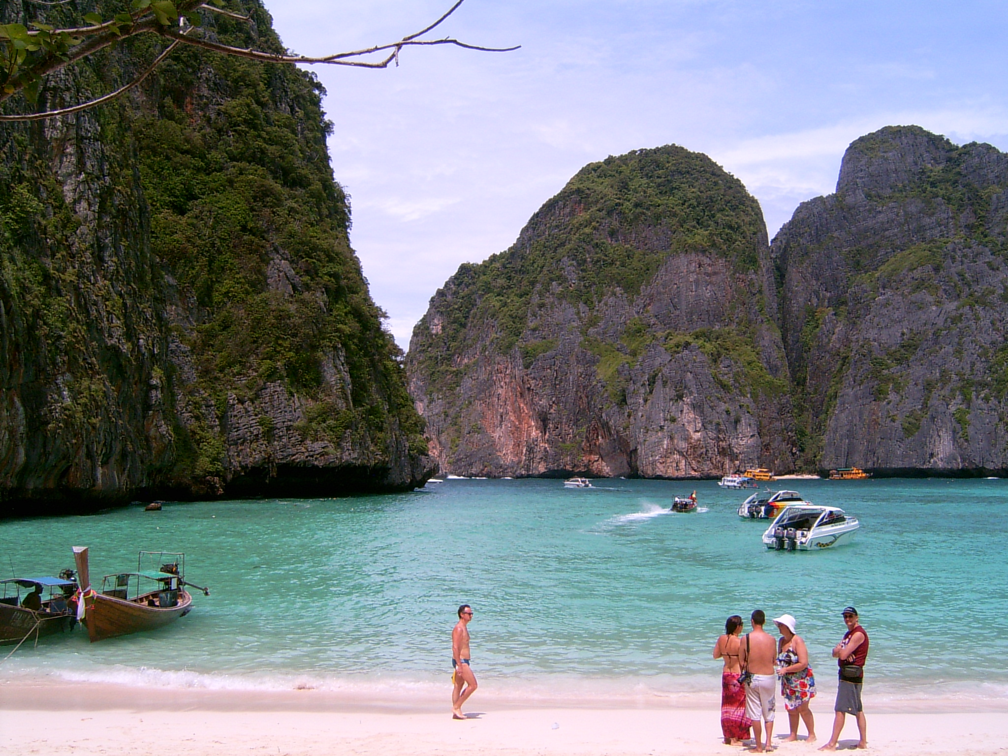 Koh Phi Phi Hotels On The Beach