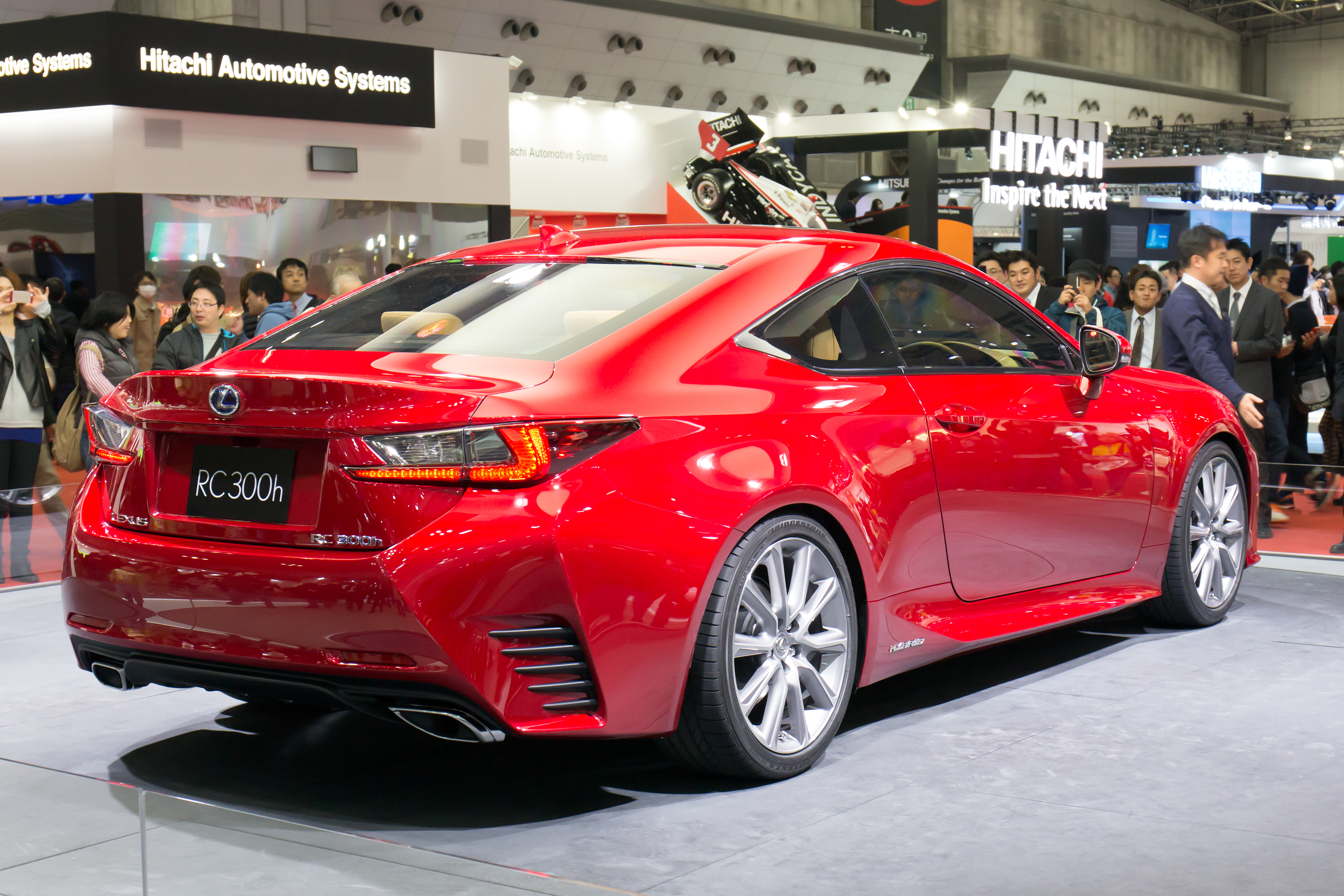 file lexus rc 300h rear right 2013 tokyo motor wikimedia commons. Black Bedroom Furniture Sets. Home Design Ideas