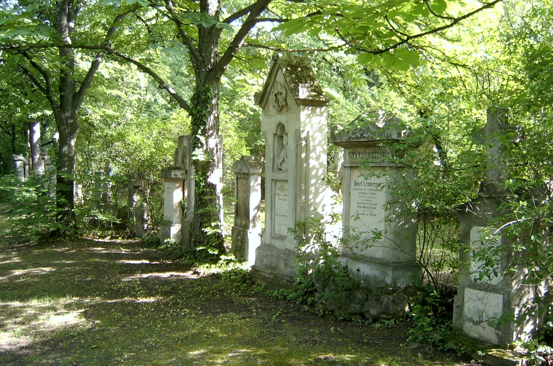 Marx cemetery 100.jpg