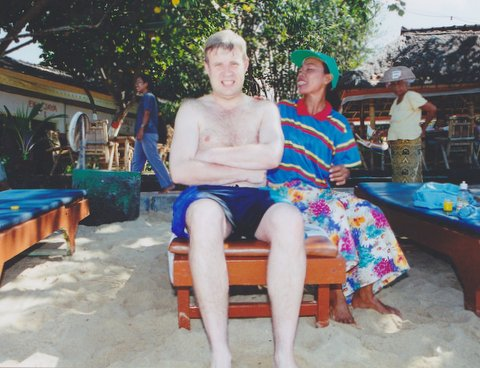 File:Masseuse from Bali with a man who is massaging.jpg